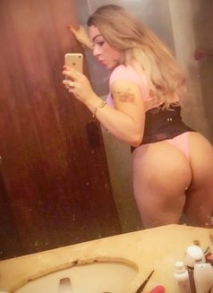 Rafaela Belucci - Transsexual escort in São Paulo Photo 5 of 28