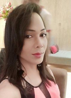 Raghvi - Transsexual escort in New Delhi Photo 15 of 17