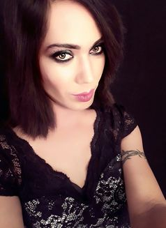 Raghvi - Transsexual escort in New Delhi Photo 4 of 17