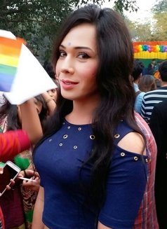 Raghvi - Transsexual escort in New Delhi Photo 6 of 17
