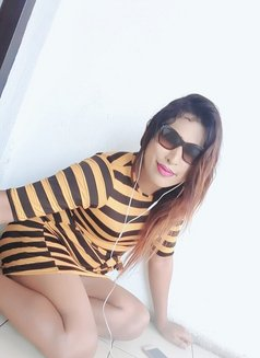 Raveensenali - Transsexual escort in Colombo Photo 18 of 20
