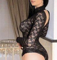 Real tantric with Italian Olivia - escort in Dubai