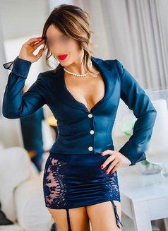 Reina-last week! - escort in Dubai Photo 26 of 30