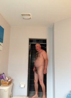Robsss - Male escort in Barrie Photo 1 of 2
