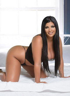 Romanian Goddess Jessica - escort in Dubai Photo 10 of 10