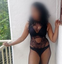 Roshani - escort in Colombo