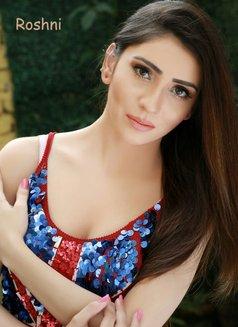 Roshini Pakistani Model - escort in Abu Dhabi Photo 2 of 5