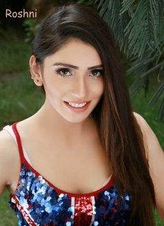 Roshini Pakistani Model - escort in Abu Dhabi Photo 3 of 5