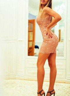 Roxana - escort in Moscow Photo 3 of 4