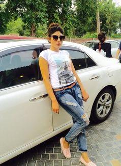 Sajal Pakistani Independent Escort Dubai - escort agency in Dubai Photo 5 of 10