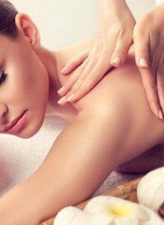 さくら Sakura Royal Japanese Massage - masseuse in Al Manama Photo 5 of 6