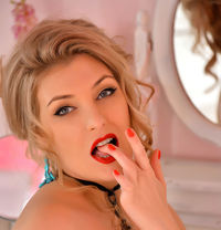 Samantha, NEW, Russian - escort in Dubai