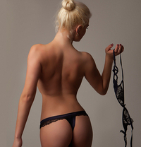 Sandra Tall Blond best BJ and A level - escort in London Photo 7 of 9