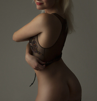 Sandra Tall Blond best BJ and A level - escort in London Photo 8 of 9