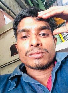 Sandu Cool - Male escort in Colombo Photo 1 of 3