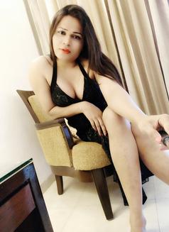 Sanjana Singh - Transsexual escort in Mumbai Photo 1 of 29