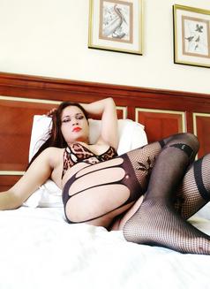 Sanjana Singh - Transsexual escort in Mumbai Photo 11 of 29