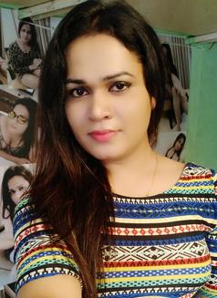Sanjana Singh - Transsexual escort in Mumbai Photo 12 of 29