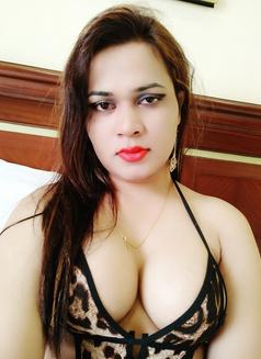 Sanjana Singh - Transsexual escort in Mumbai Photo 18 of 29