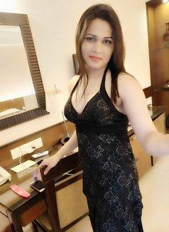 Sanjana Singh - Transsexual escort in Mumbai Photo 23 of 29