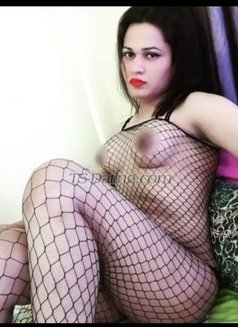 Sanjana Singh - Transsexual escort in Mumbai Photo 27 of 29