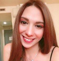 Sarah - Transsexual escort in Manila