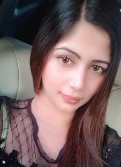 Sarah Indian Girl - escort in Abu Dhabi Photo 1 of 4