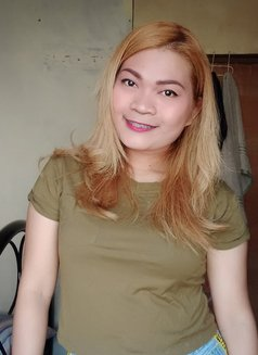 Sassybee - escort in Manila Photo 20 of 24