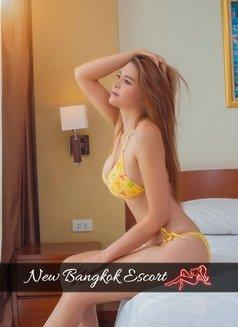 Sazy A-Level - escort in Bangkok Photo 4 of 24