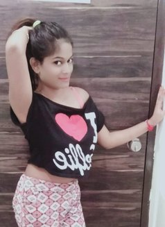 Cam show available sheetal - escort in Mumbai Photo 2 of 6