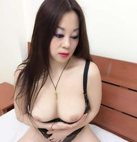 Selina Korea - escort in Al Manama Photo 9 of 13
