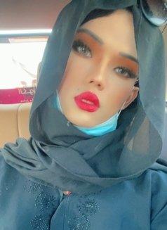 Sensual Therapist- Lucy - Transsexual escort in Dubai Photo 9 of 13
