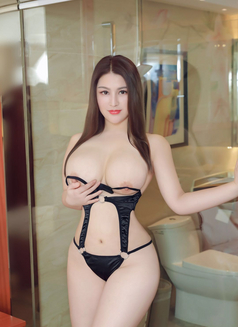 Sexy Anal Girl Lucy - escort in Dubai Photo 1 of 9