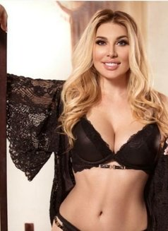 ANNA ALL NATURAL 36DD - escort in London Photo 2 of 4