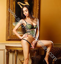 NEW! NEW! NEW! Sexy Pream8inchs - Transsexual escort in London Photo 1 of 8