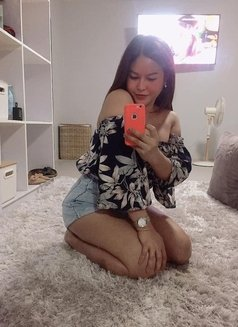 ShashaQueen Available for camShow - Transsexual escort in Manila Photo 4 of 22