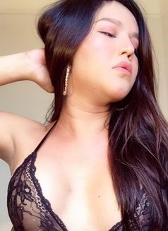 ShashaQueen Available for camShow - Transsexual escort in Manila Photo 17 of 22