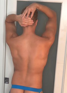 Shawn - Male escort in Vancouver Photo 1 of 8