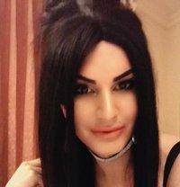 Shemale Amira Dubai - Transsexual escort in Dubai Photo 5 of 5