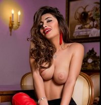 Shemale Carolina - Transsexual escort in Dubai Photo 2 of 24