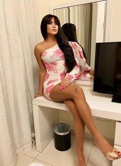 Shemale Monika - Transsexual escort in Dubai Photo 1 of 5