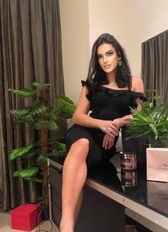 Shemale Monika - Transsexual escort in Dubai Photo 2 of 5