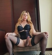 Shemale NINAH FOX - Transsexual escort in Dubai