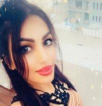 Sherin VIP full service - escort in Muscat Photo 1 of 4