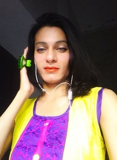 Simra - Transsexual escort in New Delhi Photo 6 of 10