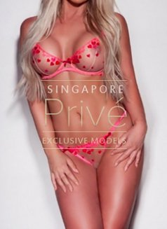 Privé Models - escort agency in Singapore Photo 4 of 12