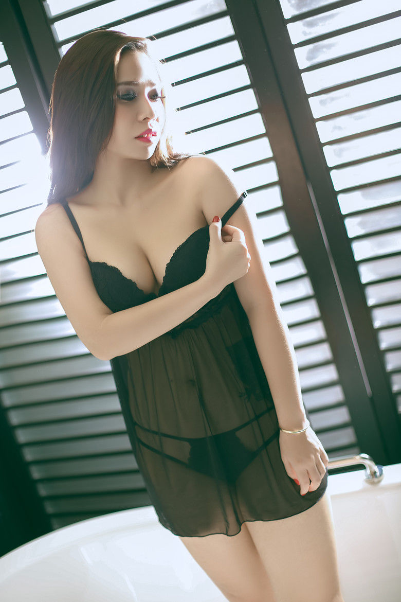 Bangkok Escorts - Fang university student Thai Girls
