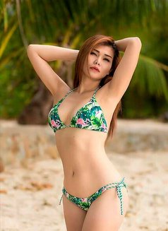 Siri - escort in Phuket Photo 2 of 5