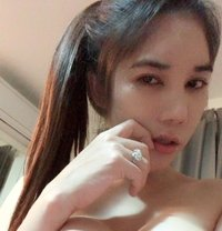 Sizzling Emmily - escort in Shanghai Photo 1 of 17