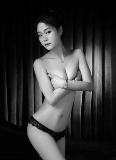 Skinny and tall Luck - escort in Beijing Photo 6 of 7